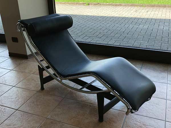 Riparazione-divani-in-pelle-bagnolo