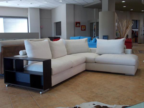 Sof e divani parma bagnolo preventivi ricopertura for Divano ottomano